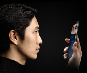 Samsung S8 iris scanner hack2