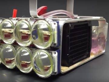 Water-Cooled-72000-Lumen-LED-Flashlight (1)