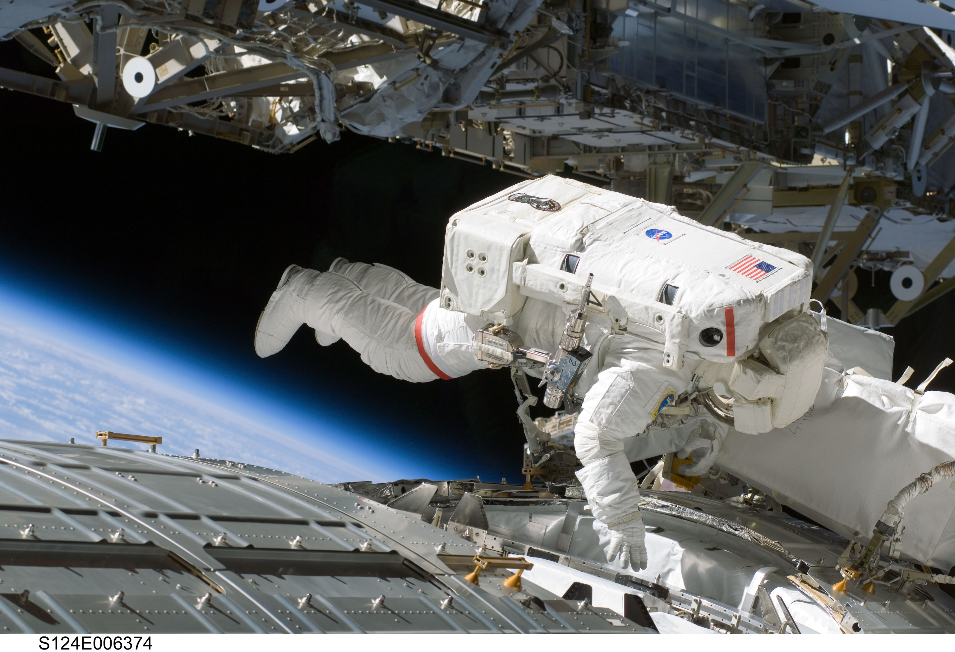 astronaut disappeared in space - photo #43
