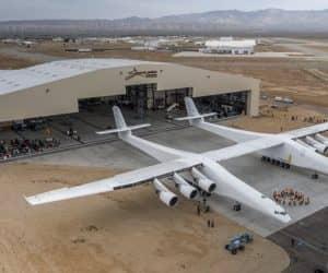 Stratolaunch worlds largest plane (2)