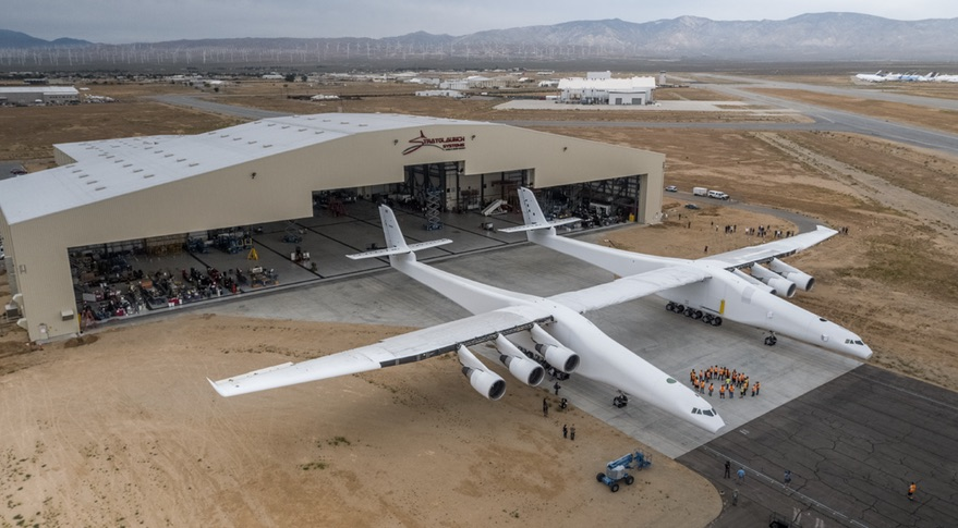 Stratolaunch worlds largest plane (2)