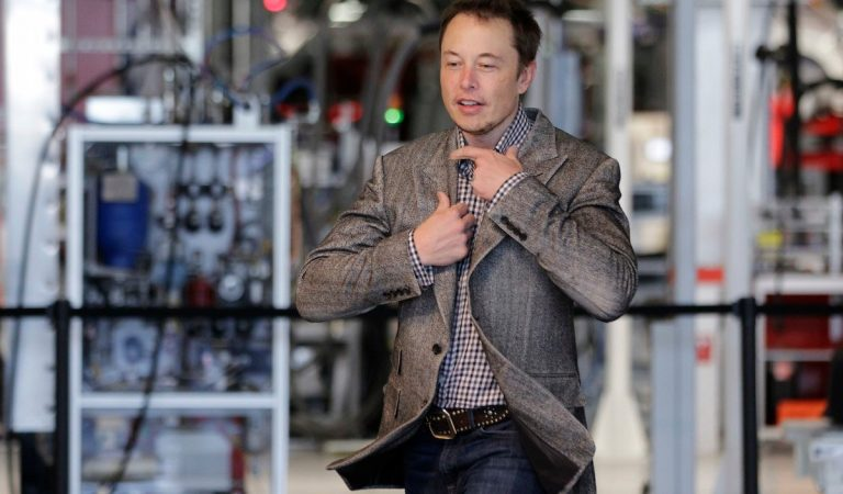 A Look at the Demanding Schedule of Elon Musk Who Works 100 Hours Per Week
