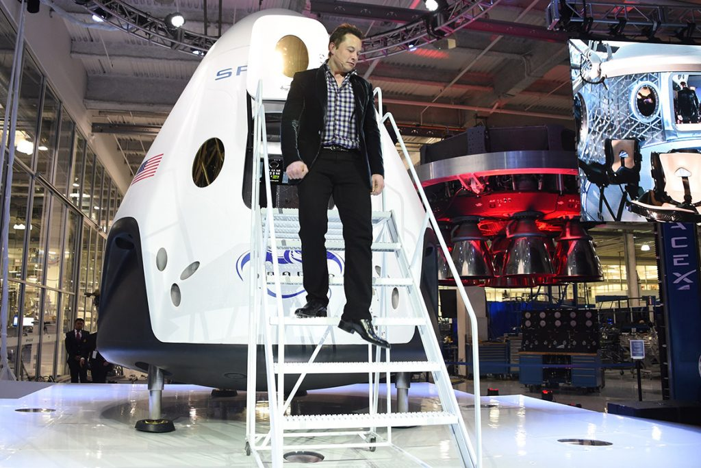 elon-musk-spacex-dragon-v2