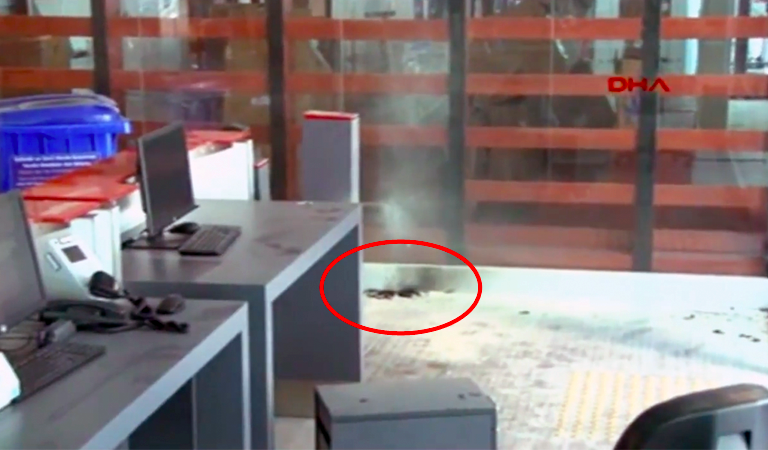 Battery Explodes at Turkish Airport After Passenger Throws Power Bank In A Spat With Security