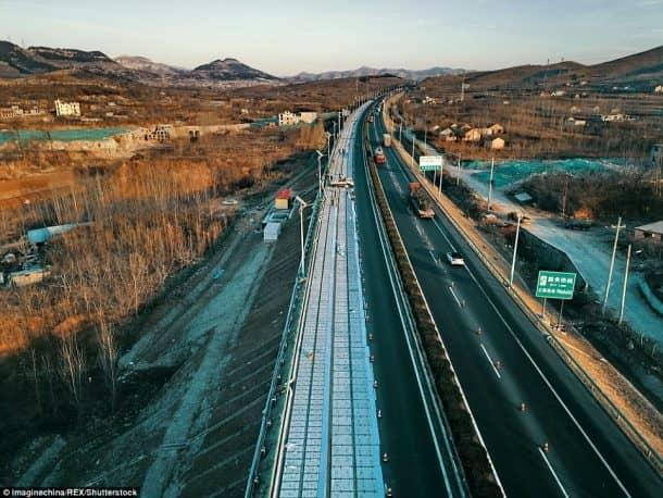 china solar powered highway