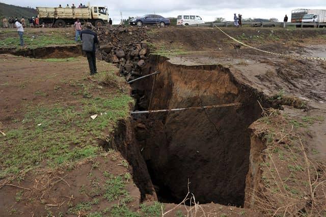 crack in Kenya land