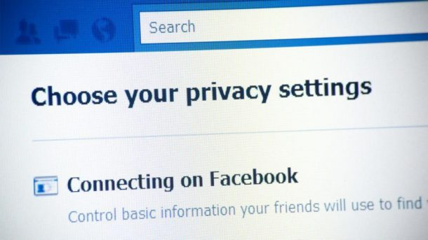 facebook privacy bug