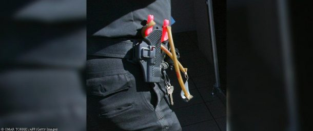 Mexican police given slingshots
