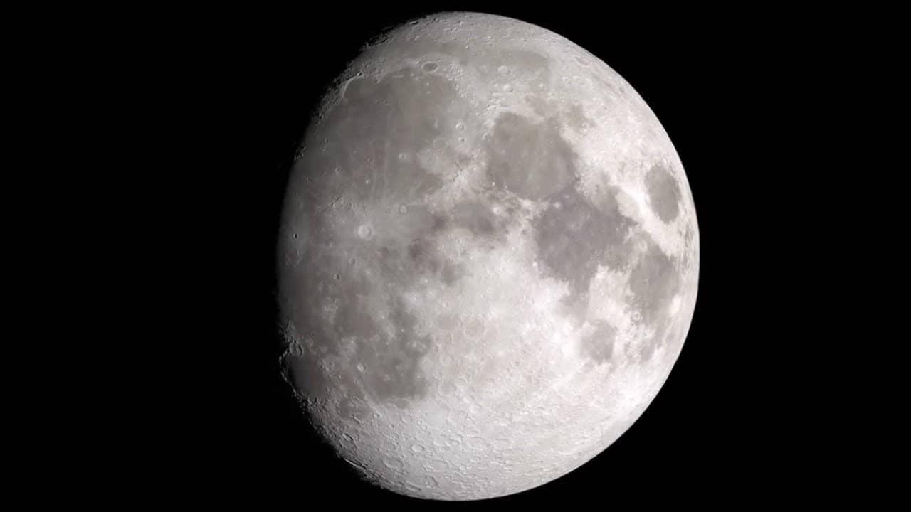 meteorites hitting moon