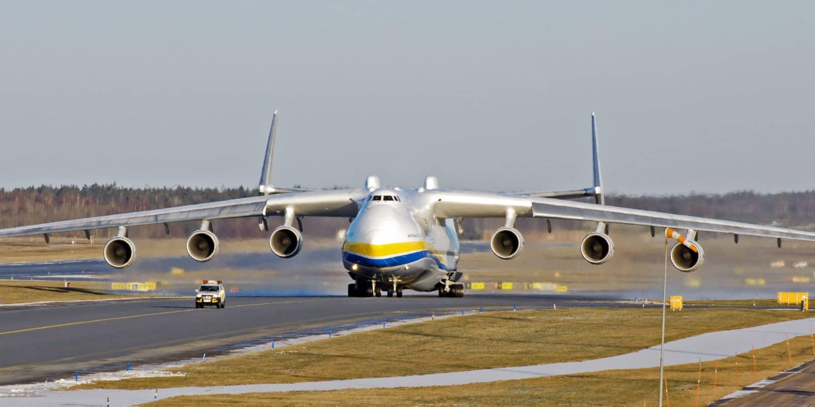 antonov-225 jet
