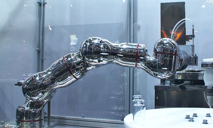 robotic arm made by Dutch arm