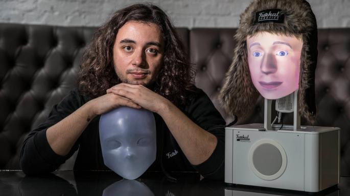 furhat robot which can take any face