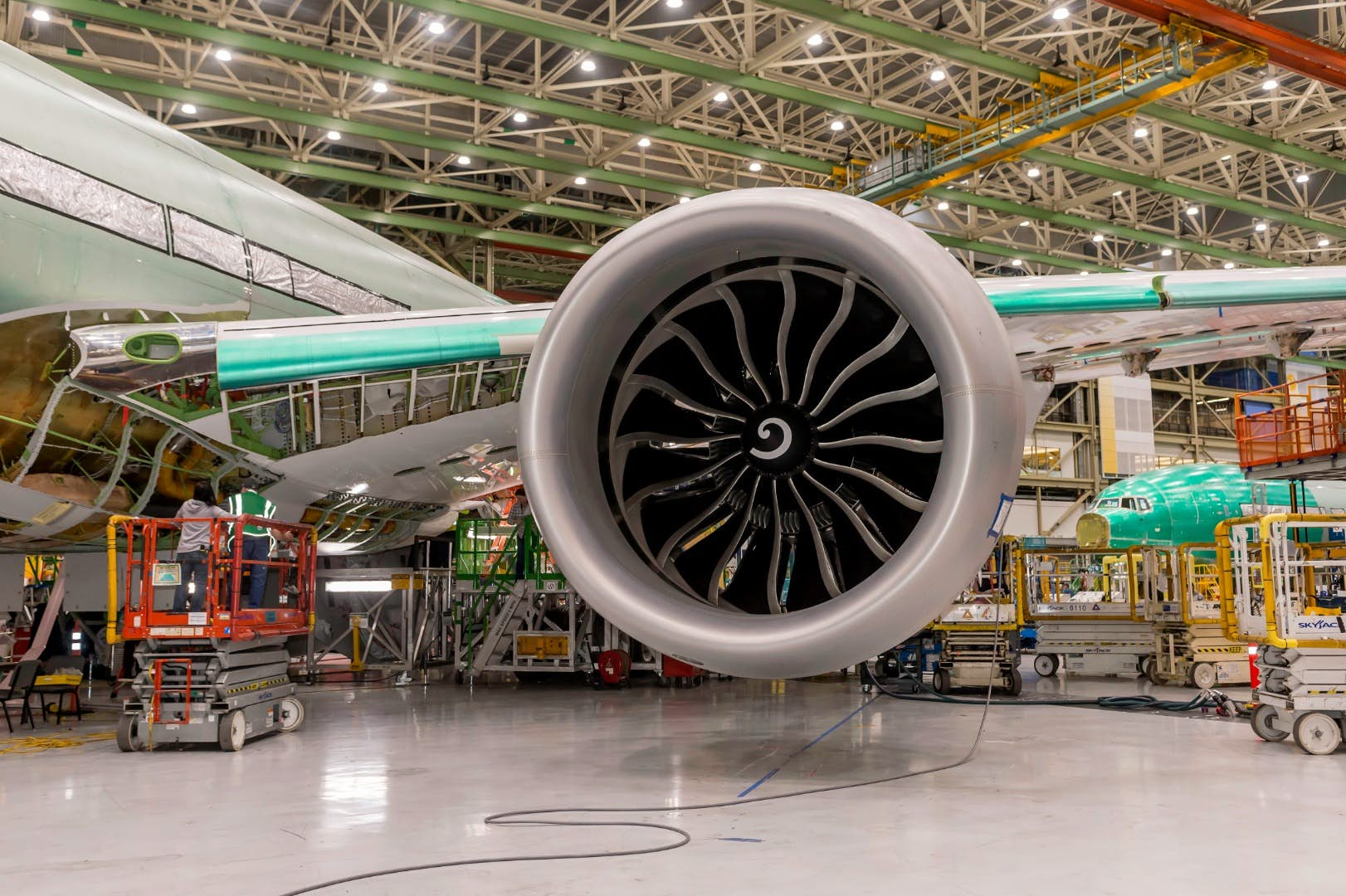 Boeing 777X Features World's Largest Engine, GE9X!