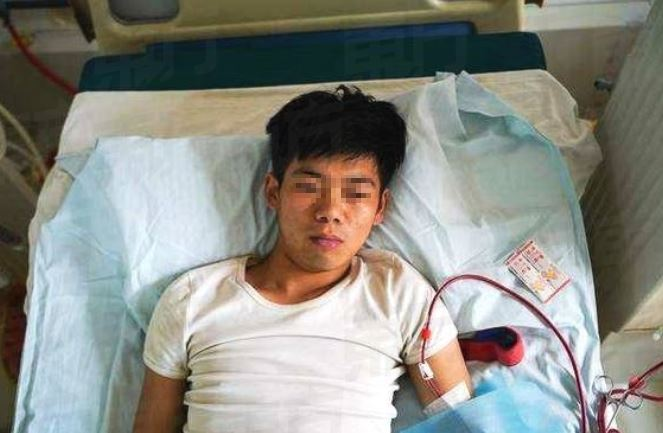Chinese Boy, Xiao Wang, Sold Kidney For iPhone 4 & Is Permanently Disabled