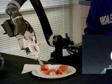 Say Hello To This Robot That Can Feed You Dinner!