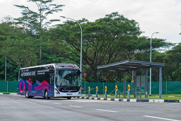 Volvo 7900 Is Volvo's First Autonomous Electric Bus In Singapore