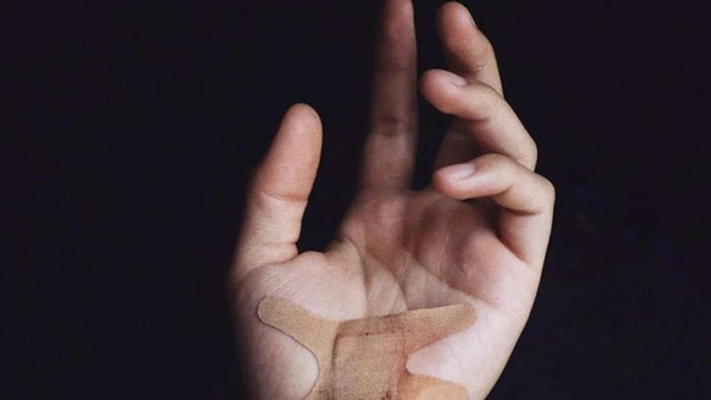 This Sensor Can Monitor Wounds In Real-Time And Is Skin-Inspired!