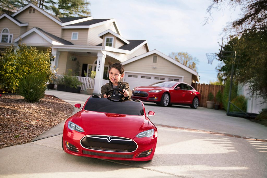 This Tiny Model S By Tesla And Radio Flyer Is A Must For Your Kid!