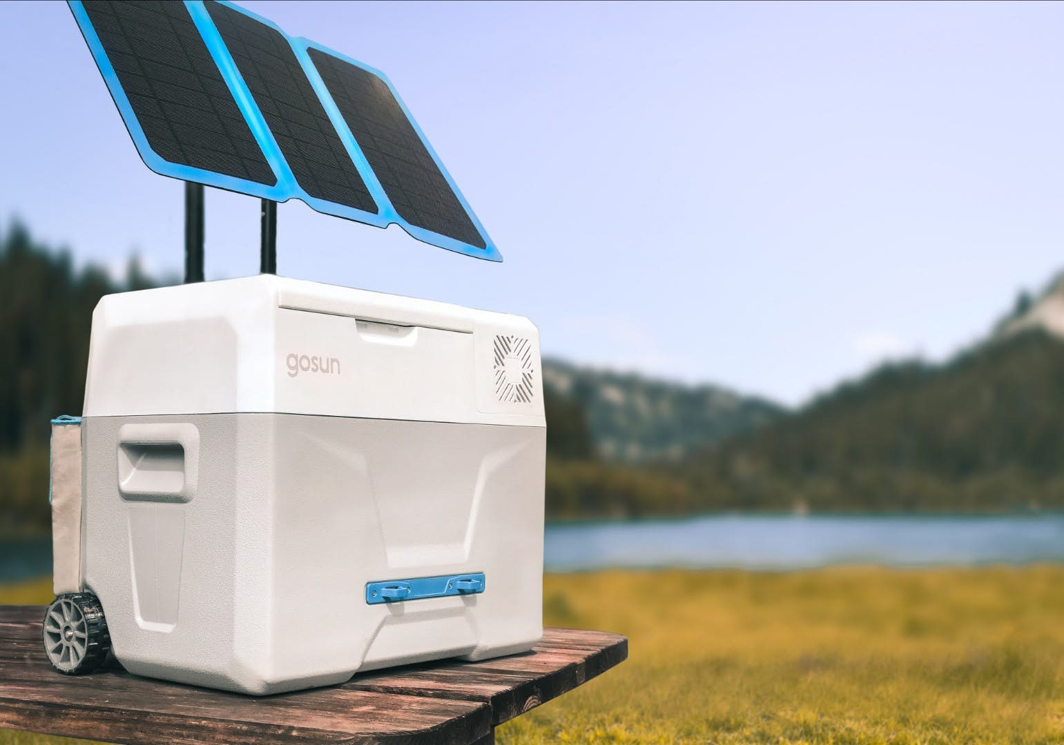 GoSun Chill Keeps Your Items Chilled Using The Power Of The Sun