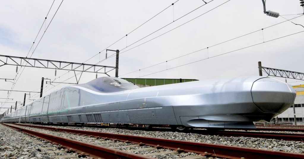 The ALFA-X version of the Shinkansen train started test runs last week, and these test runs are going to run for a total of three years