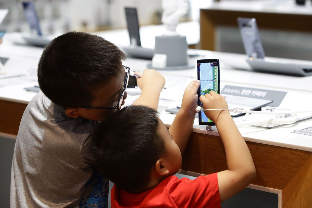 These Are The Effects Of Screen Time On Young Kids' Brains