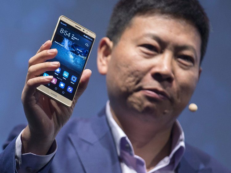 Huawei Shipped One Million Smartphones For Testing Of New OS
