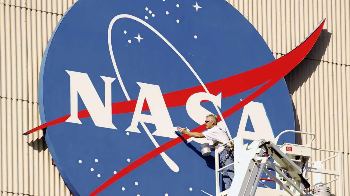 NASA Is Opening ISS To Tourists In 2020 For The Right Cost