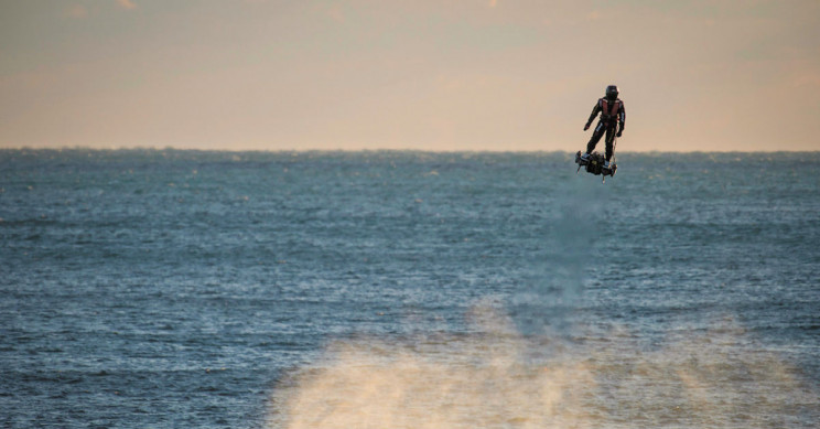 Franky Zapata Was Unable To Cross English Channel On His Flyboard