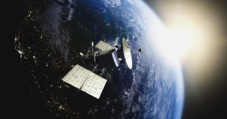 Using Only A Tweet, Amateur Satellite Trackers Located USA 224 Satellite