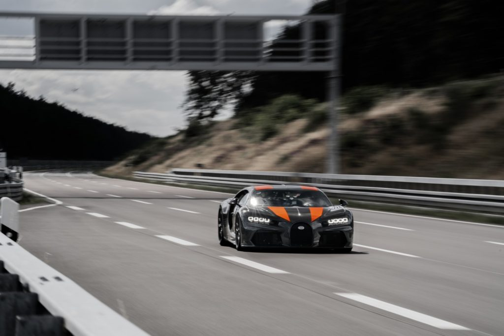 Bugatti Chiron Has Broken 300 MPH Barrier For Production Cars
