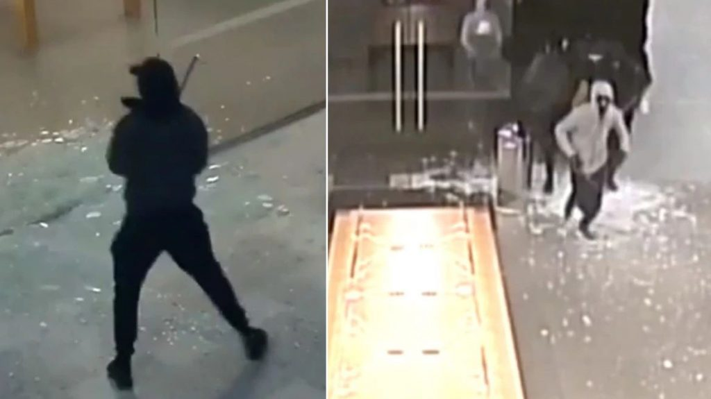 Thieves With Sledgehammers Robbed Apple Stores In Australia