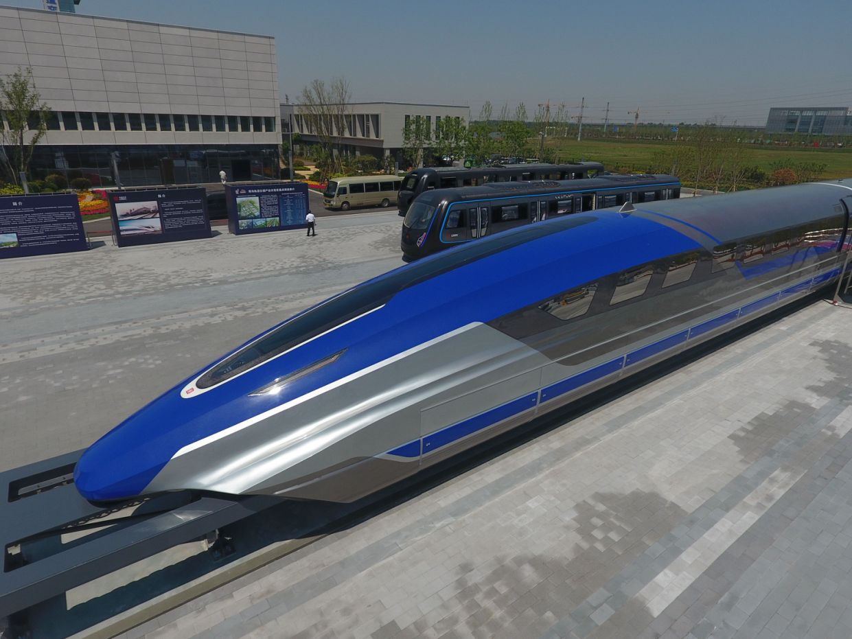 New Chinese Magnetic Levitation Train Is Breaking Speed Records