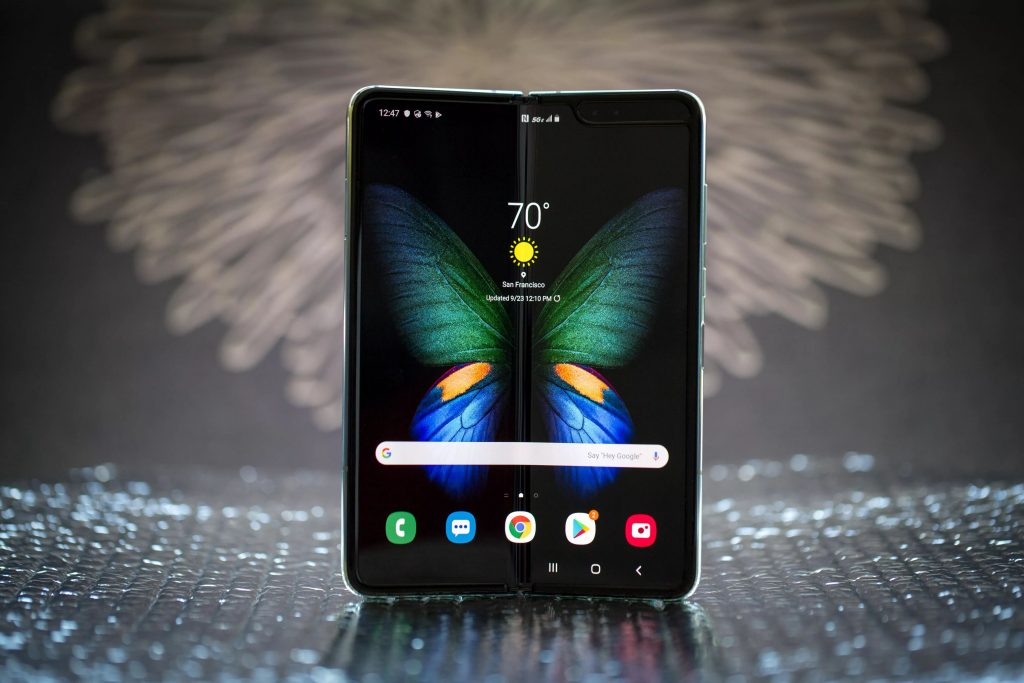 Watch As Samsung Galaxy Fold Fails After Multiple Opening & Closing