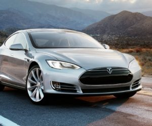 Tesla Model S Has A Titanium Underbody To Prevent Battery Ruptures