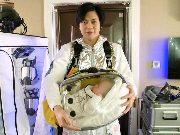 A Chinese Dad Builds A Custom Safety Pod For His Son