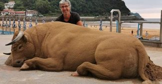 Andoni Bastarrika Is A Self-Taught Artist And Sand Sculptor