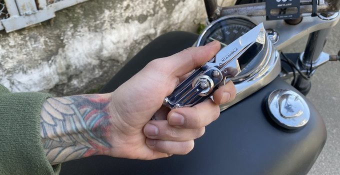 Inertix Exoblade Is The Futuristic Pocket Knife That You Need