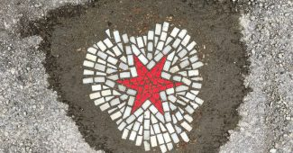 Meet Jim Bachor – Chicago's Pothole Artist Who Transforms Potholes