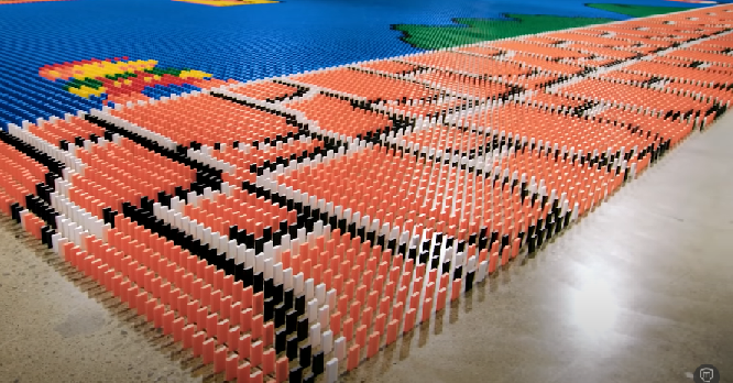 World Record Domino Robot