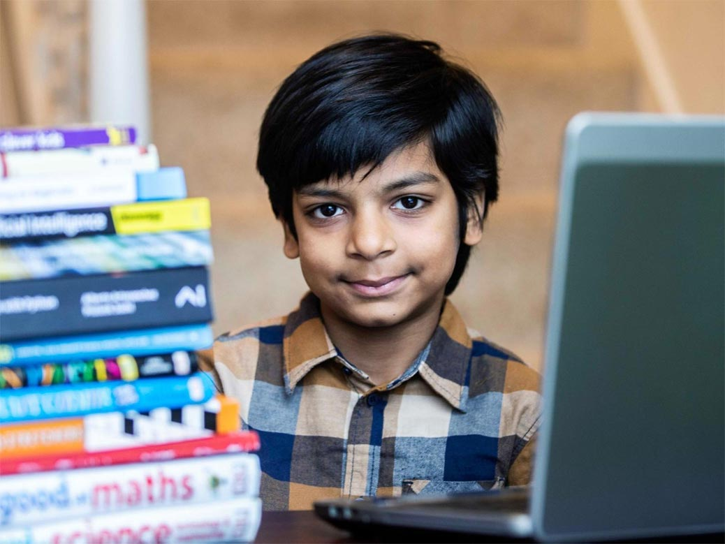 This 6-Year-Old Has Set A New Guinness World Record For Becoming The  World's Youngest Programmer