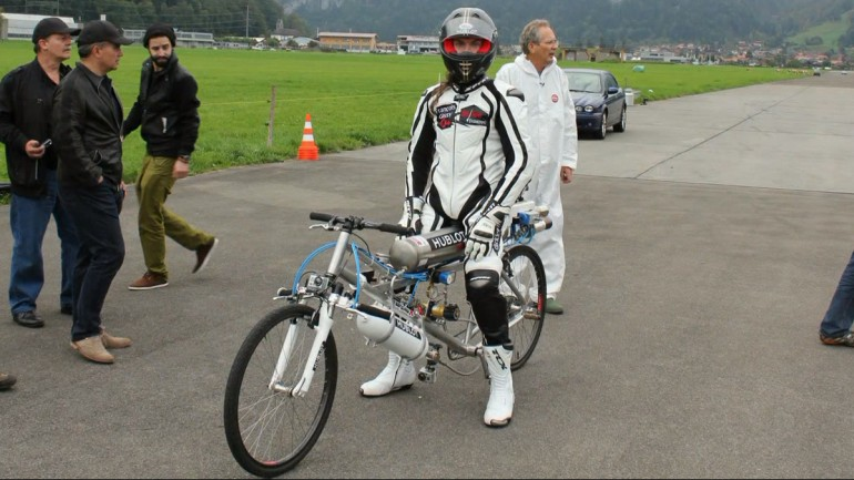 Francois Gissy prepares for his world record attempt