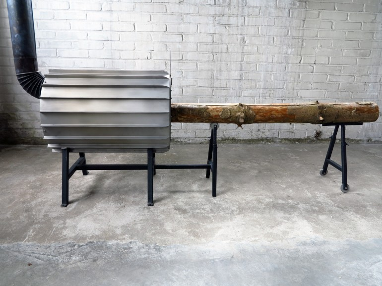 The stove has steel fins on the outside, to increase its heat-radiating surface area