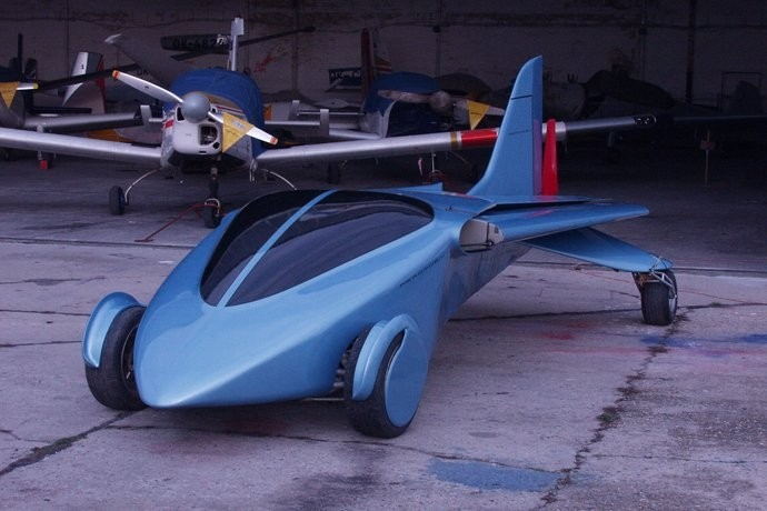 This earlier prototype of the Aeromobil flying car had just one tail fin (Photo: Peter Zak...